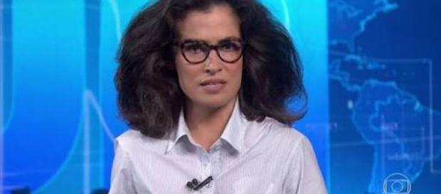Renata Vasconcellos, apresentadora do JN como meme.
