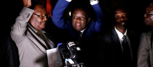 El 'cocodrilo' Mnangagwa promete una nueva democracia para Zimbabue