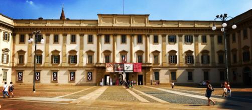 File:Palazzo Reale Milano.jpg - Wikimedia Commons - wikimedia.org