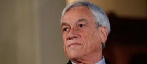 La popularidad de Piñera cae 11 puntos en el último mes
