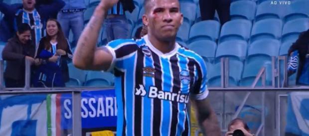 Jael marcou o primeiro gol do Grêmio contra o Flamengo