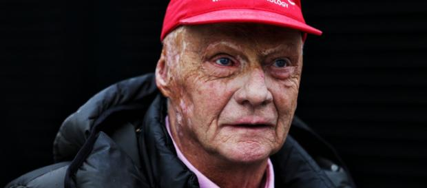 Niki Lauda está en condición crítica luego de su trasplante de pulmón