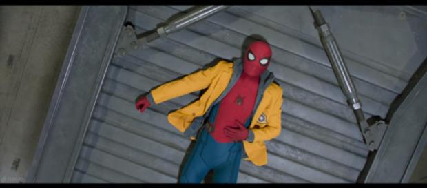 Peter Parker will likely wear his old suit in 'Spider-Man: Far From Home' [Image Credit: Scopian01/YouTube ]
