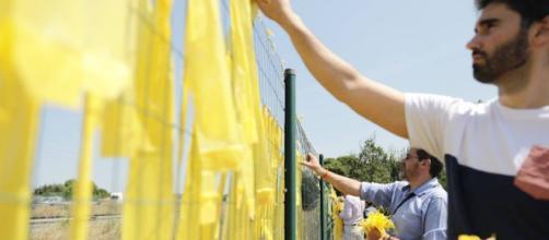 Un cámara fue agredido en una protesta en apoyo a la retirada de lazos amarillos