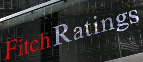Fitch mantiene il rating ma modifica in negativo l' outlook per italia