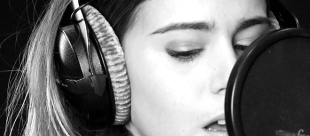 Barbara Opsomer - Super l'amour (Version acoustique) - YouTube - youtube.com