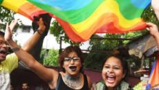Storico in India: l'omosessualità non è più reato