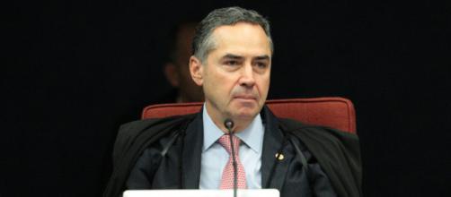 Barroso se manifesta antes de julgar Lula no TSE