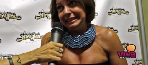 Cristina D'Avena a Miragica per la Notte Fantasy - YouTube - youtube.com