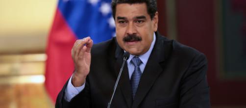 Maduro a los inmigrantes: Dejen de lavar pocetas en el exterior