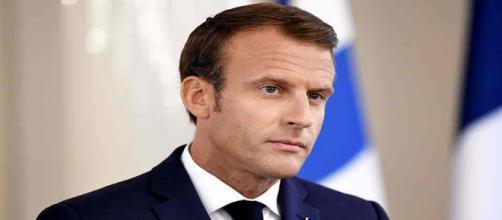 Prélèvement à la source : Macron attend 'des réponses précises' avant d'appuyer sur le bouton.