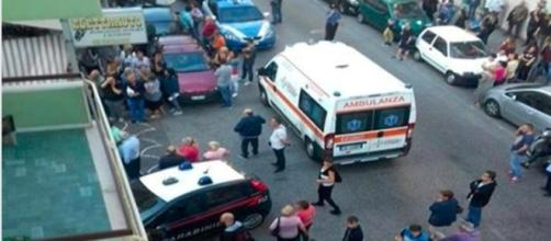 Salerno, trova la figlia morta a letto: mamma si suicida buttandosi dal balcone