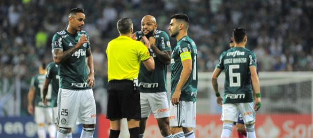 Felipe foi expulso aos três minutos de jogo