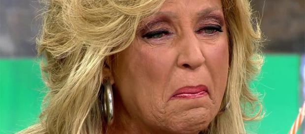 Lydia Lozano se marcha llorando del plató se encierra en el baño tras acusarle de querer vender las fotos de Kiko Matamoros.