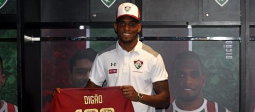 Digão atinge a marca de cem jogos pelo Fluminense (Foto: Lucas Merçon)