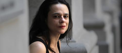 Janaína Paschoal elogia Ciro Gomes e recebe críticas nas redes sociais