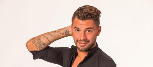 LMvsMonde3 : Kevin prêt à remplacer Carla ? Il aurait jeté son ... - non-stop-reality.fr