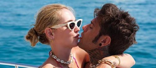 Fedez e Chiara Ferragni in vacanza alle Baleari, invitano Ilary Blasi e Totti alle nozze