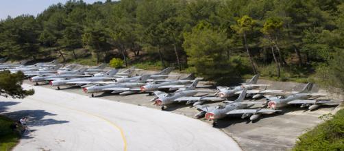 NATO: la prima base aerea dei Balcani sarà in Albania, nella città che veniva chiamata 'Città Stalin'