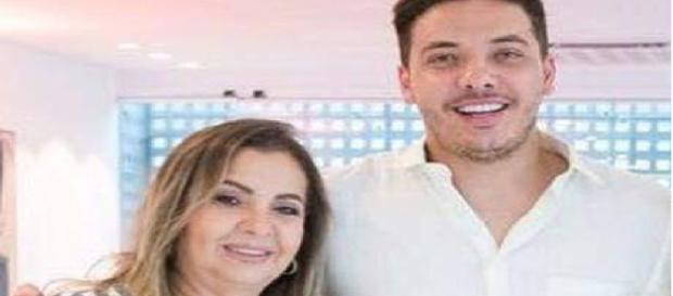 Dona Bill, mãe de Wesley Safadão, sai em defesa do filho contra ex-nora