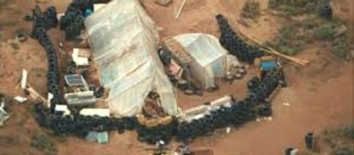 Hallan a 11 niños en cautiverio en desierto de Nuevo México