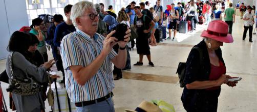 Indonesia terremoto. Unos 200 turistas españoles aguardan en el Aeropuerto Internacional de Lombok