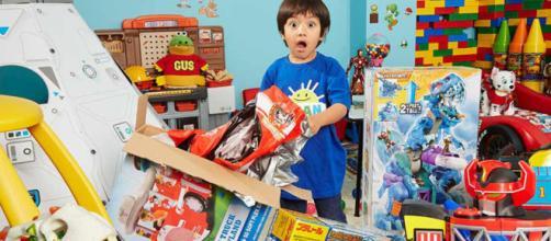 Pequeño youtuber de 6 años lanzará su propia línea de juguetes