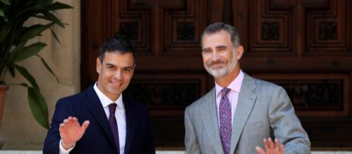 Sánchez celebra con Felipe VI su primer despacho de verano