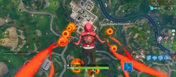 A screenshot showing the Lantern contrail in 'Fortnite' BR - [Image source: Kiramashu/YouTube]