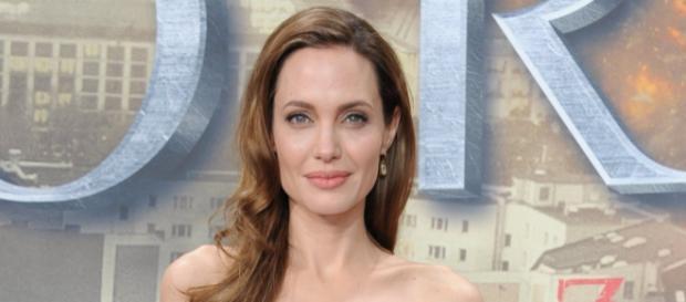 Angelina Jolie niega haber roto con su abogada en plena lucha por ... - bekia.es