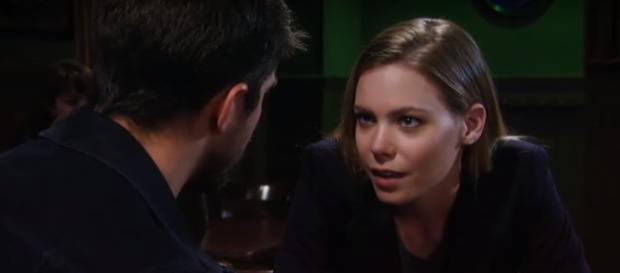 Chloe Lanier may be leaving GH but her character is not going to be killed off. [image source: The Emmy Awards - YouTube]