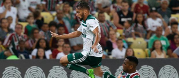 Gustavo Scarpa e Fluminense: confusão segue longe do fim (Foto: Valor Econômico)