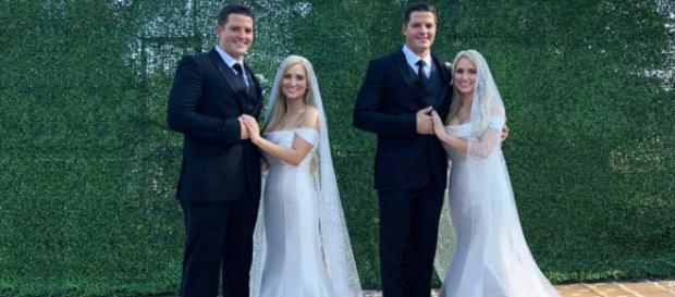 Seeing double: Identical twin siblings wed in Twinsburg, Ohio [Image @apnnewsindia/Twitter]