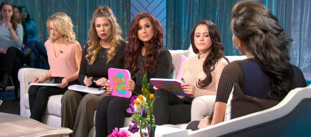 The Teen Mom 2 cast attends a special taping. [Image Source: MTV - YouTube]