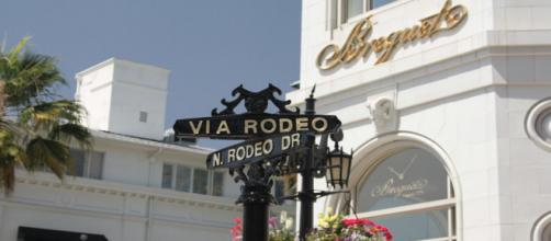 Celebrities, who shop places such as Rodeo Drive, have insurance worth more than most fans' houses. - [bissartig / Pixabay]