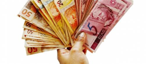 Salário mínimo em julho deveria ser quase quatro vezes maior, segundo Dieese - Foto Joelfoto