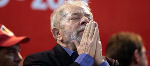 TRF-4 nega pedido para ex-presidente Lula participar de debate em emissora de televisão.