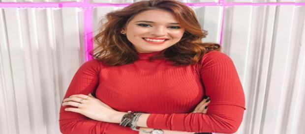 Ana Clara está feliz da vida tranalhando na Globo