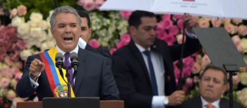 Duque asume presidencia de Colombia