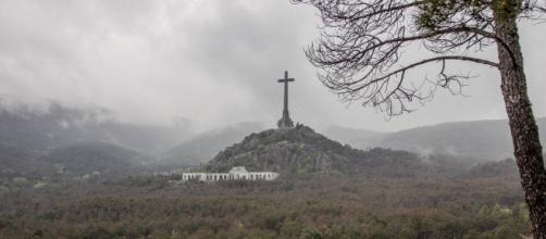 Felipe VI decidirá sobre los restos de Franco