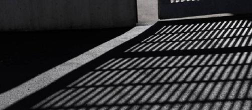 Nella foto una cella all'interno di un carcere (via Google.it)