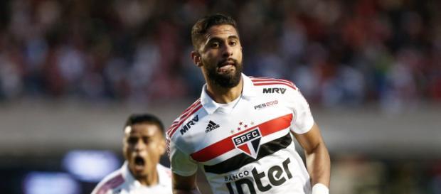 Tréllez fez outro gol decisivo para o São Paulo e definiu o placar do jogo.