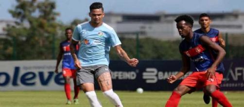 Destaque em jogo-treino, Luciano pode ganhar oportunidade contra o Internacional (Foto: Lucas Merçon)