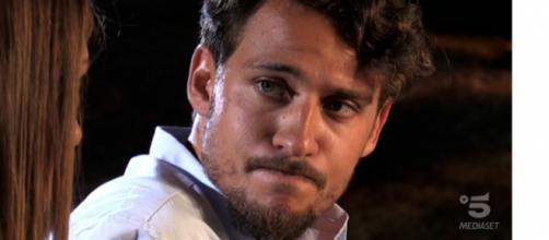 Gossip: Gianpaolo ha frequentato la single dopo Temptation Island? La ex accusa, lui nega.