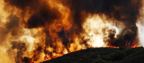 Portugal en alerta por un incendio descontrolado en Silves