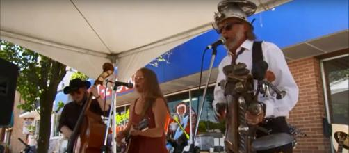 An annual festival celebrates the washboard as an instument in Logan, Ohio. [Image source:CBS Sunday Morning-YouTube]