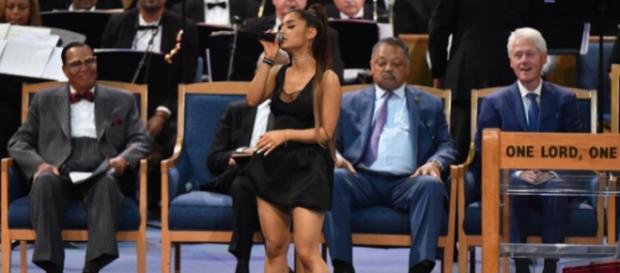 Ariana Grande en imagen durante el funeral
