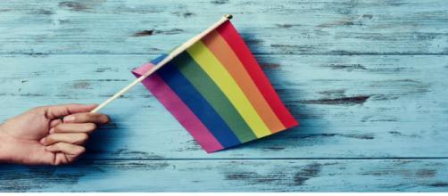 Bandeira gay: Atento emprega 1.300 transexuais no Brasil