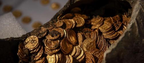 Eccezionale scoperta a Como: almeno 300 monete d'oro romane emergono durante i lavori in centro di costuzione di abitazioni.