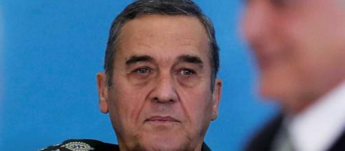 General Villas Bôas é criticado por candidatos à Presidência da República
